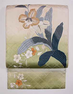 蘭の図刺繍開き名古屋帯