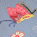 藍鼠地蝶と小鳥の紅型染小紋 質感・風合