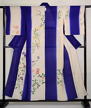 紫苑色暈しに秋草の単衣付下