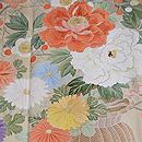 紫地松皮菱取御簾に花籠の色留袖 質感・風合