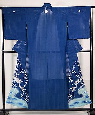 柳にツバメブルーの色留袖