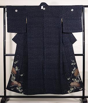 松に蔦の竹文様色留袖