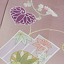 源氏香に葵、菊文様色留袖 質感・風合