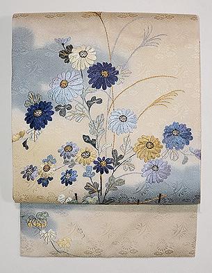 白地に菊文様刺繍名古屋帯