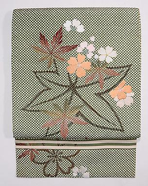 行儀小紋に桜・楓の刺繍名古屋帯