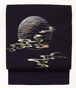 月に芝露の刺繍名古屋帯