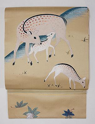 鹿の親子の刺繍名古屋帯