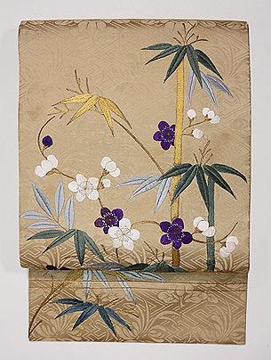綸子地に梅と竹刺繍名古屋帯