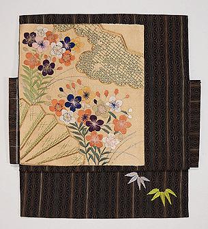 麻の葉縞に梅、桜の名古屋帯