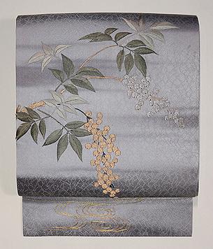 金銀南天の刺繍名古屋帯