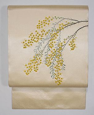 白金色ミモザの刺繍名古屋帯