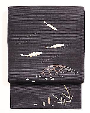 黒地若鮎の図絽名古屋帯