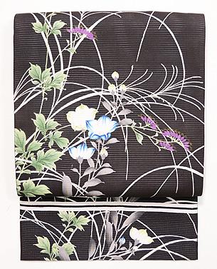 黒地秋草絽開き名古屋帯