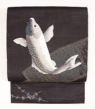 絽黒地御簾に鯉の図刺繍夏帯