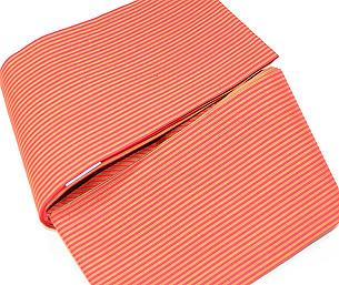 浦野理一作 紅色地細縞半幅帯