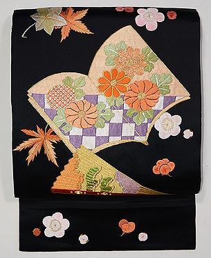 梅と紅葉に絵本刺繍名古屋帯