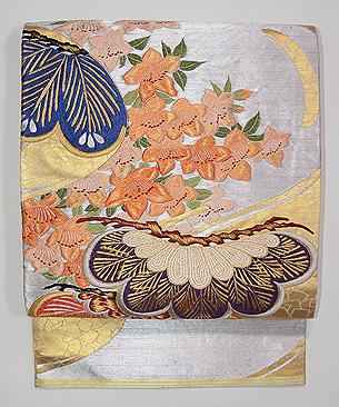 松に桜とつつじの刺繍丸帯