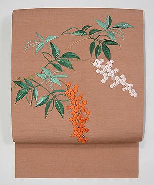 紅白南天の刺繍名古屋帯