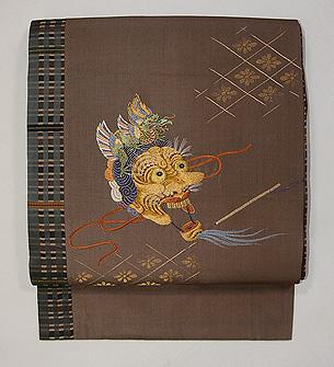 雅楽面の刺繍名古屋帯
