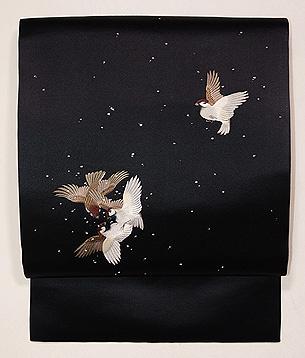 黒地群れ雀の名古屋帯