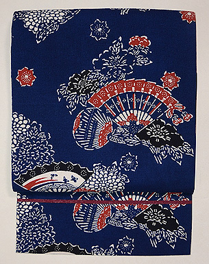 浦野理一作 紬縮緬地扇面に菊とボタンの型染め名古屋帯