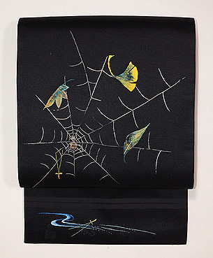 蜘蛛の巣と葉刺繍名古屋帯