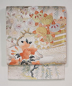 御所の風物図刺繍袋帯