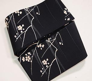 黒地桜の染め半巾帯