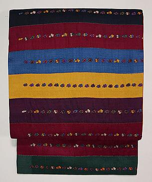 横段に刺繍のペルシャ布名古屋帯