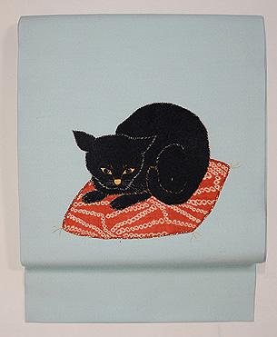 黒猫に桜の刺繍名古屋帯