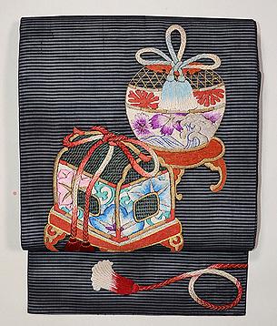 黒地虫かごの刺繍名古屋帯