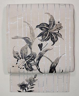 黒ユリの刺繍名古屋帯