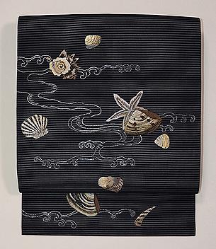 黒地貝刺繍絽名古屋帯