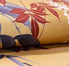 辛子色笹に南天の錦紗名古屋帯 質感・風合