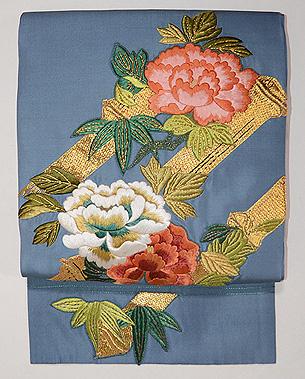 ブルー地牡丹の刺繍名古屋帯