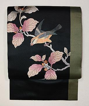 ドングリにヒヨドリの刺繍名古屋帯