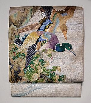 深山幽谷文様刺繍の袋帯