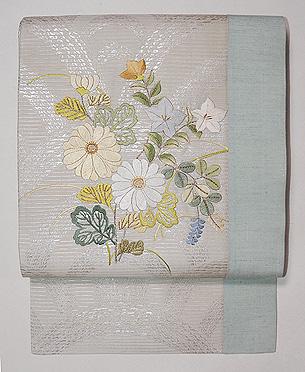 秋野の花の刺繍名古屋帯