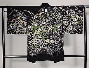 紋紗黒地に女郎花、撫子、萩の単衣羽織