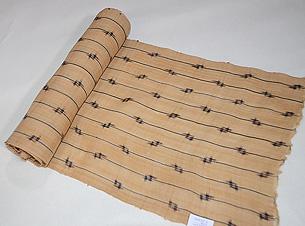 経縞に十字絣文様芭蕉布