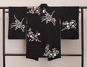黒地春の花文様絞りの羽織
