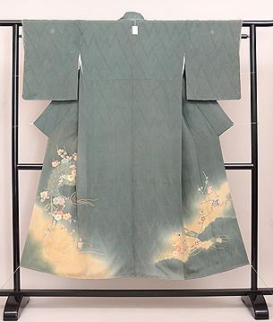 菊梅に檜扇の色留袖