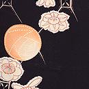 黒地バラに梅文様羽織 質感・風合