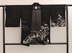 秋草の黒地夏羽織