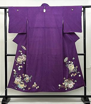 紫地貝桶文様色留袖