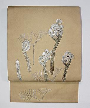 わらびの刺繍創作名古屋帯