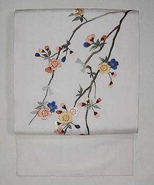 枝垂れ桜の刺繍名古屋帯