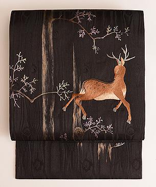 森林に鹿の刺繍名古屋帯