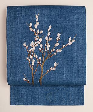 ブルー紬にネコ柳の刺繍名古屋帯