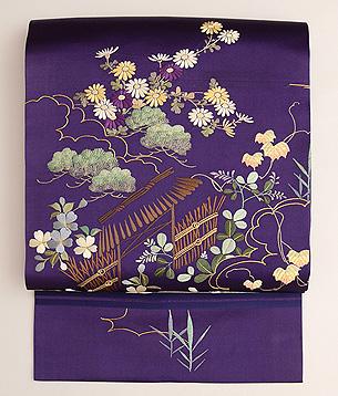 茅葺き門に四季の花文様刺繍名古屋帯